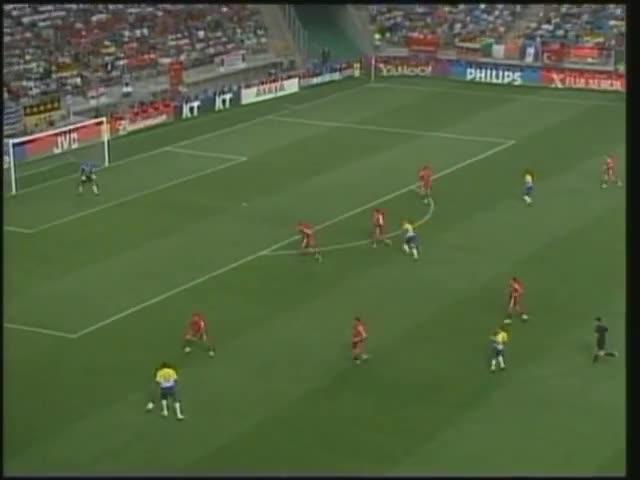 Bàn thắng của Ronaldo vào lưới Thổ Nhĩ Kỳ ở vòng bảng World Cup 2002