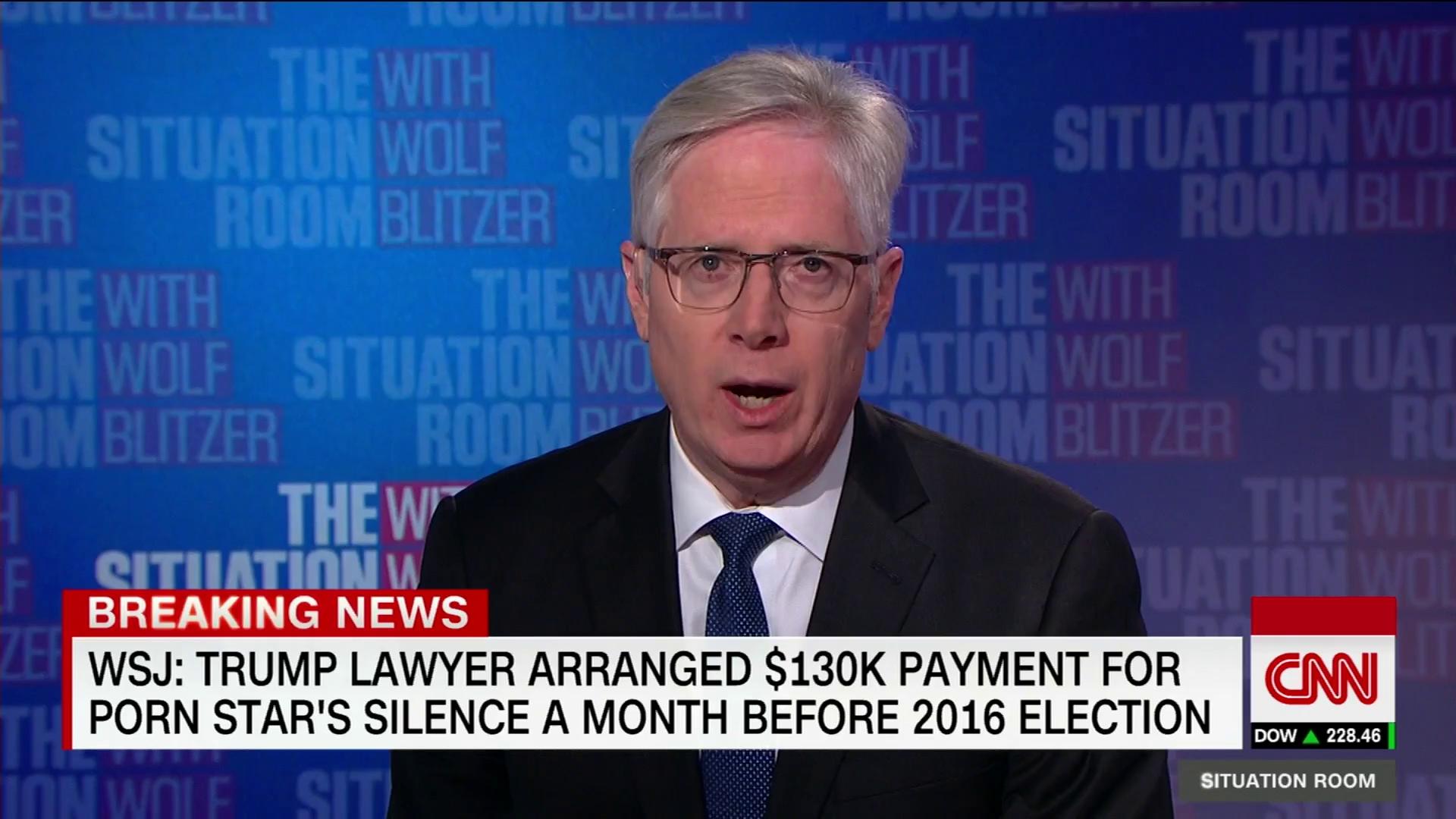 CNN đưa tin về cáo buộc của WSJ, cho rằng Tổng thống Mỹ Donald Trump từng qua lại với ngôi sao khiêu dâm Daniels.