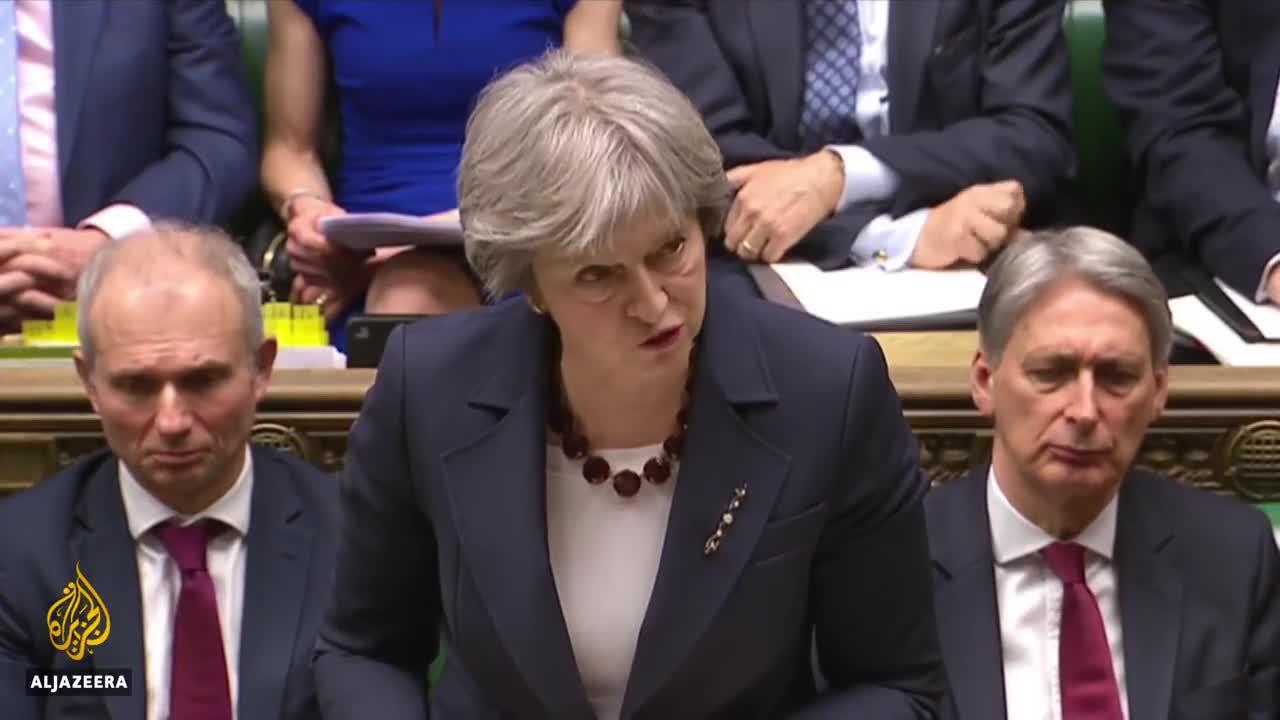 Thủ tướng Anh Theresa May yêu cầu trục xuất 23 nhà ngoại giao Nga sau vụ ám sát cựu điệp viên.