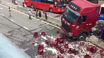 Video hiện trường vụ tai nạn. (nguồn: Vũ Viết Xuân).