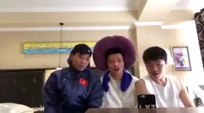 """Clip các thành viên U23 Việt Nam cover hit """"Làm người yêu anh nhé baby"""" gây sốt cộng đồng mạng."""