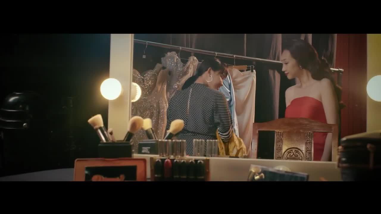 """MV """"Yêu trong cô đơn"""" - Lều Phương Anh."""