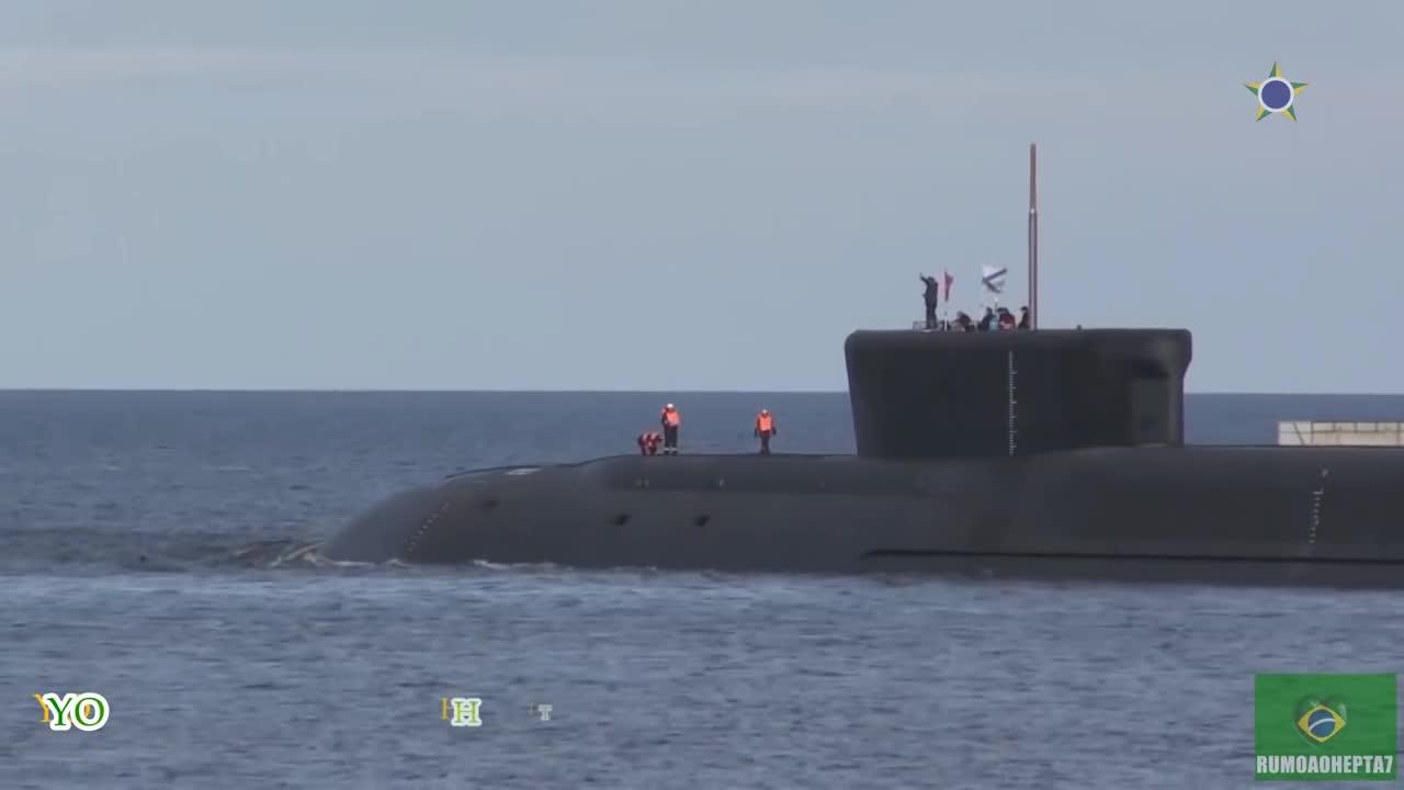 Nga bắn thử nghiệm 4 tên lửa đạn đạo Bulava từ tàu ngầm lớp Borei