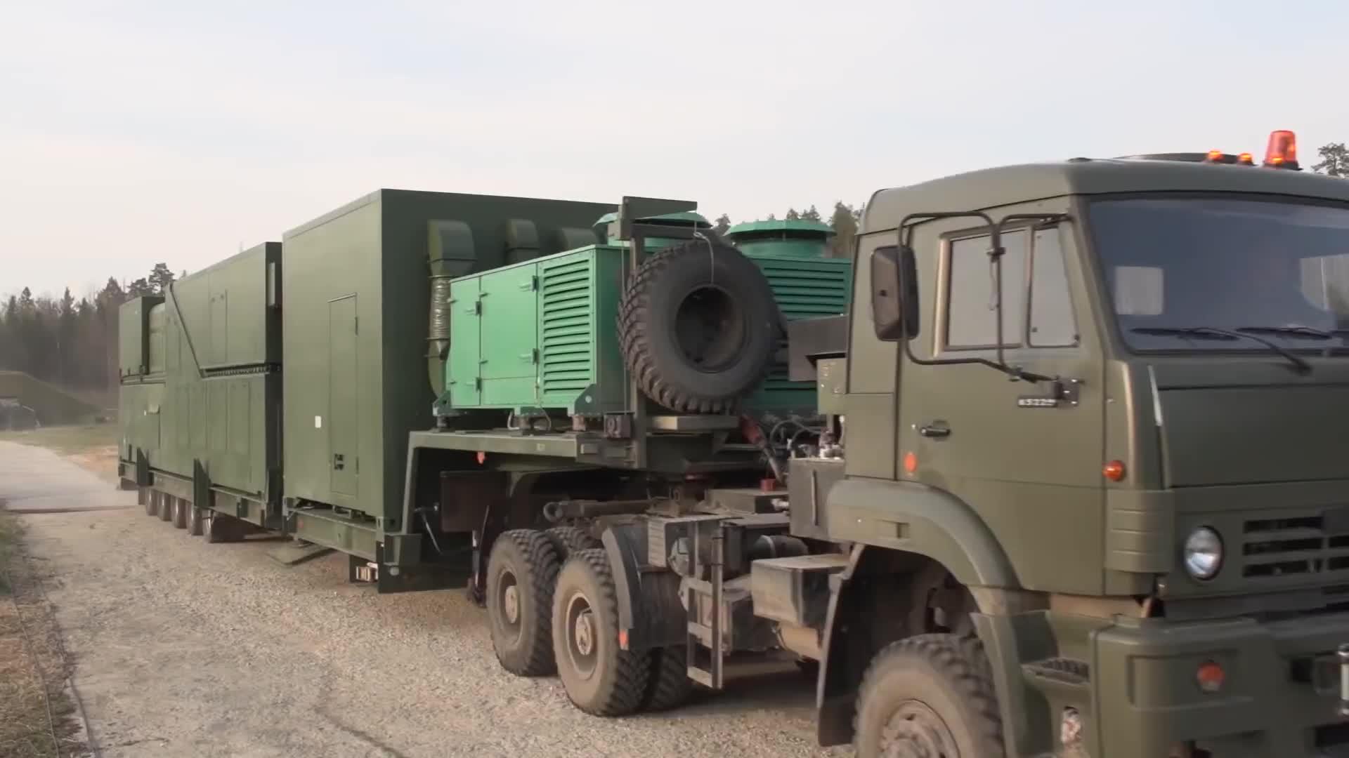 Quân đội Nga huấn luyện khai thác sử dụng tổ hợp vũ khí laser Peresvet