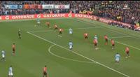 Sút tung lưới Man Utd, Silva mở tỉ số sớm cho Man City