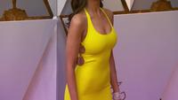 Eiza Gonzalez sexy trên thảm đỏ Oscar