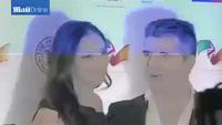 Simon Cowell đẹp đôi bên Lauren Silverman