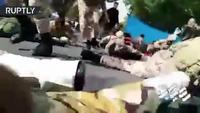 Khoảnh khắc các tay súng tấn công đoàn diễu binh Iran, ít nhất 29 người chết