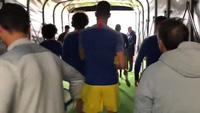 Các cầu thủ Chelsea khởi động trước trận derrby với West Ham