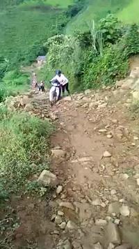 Hành trình vất vả của giáo viên mầm non Quang Huy 2, huyện Phù Yên, tỉnh Sơn La