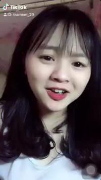 Nữ sinh Đắk Lắk có giọng nói ngọt lịm