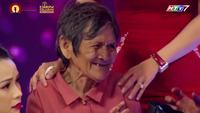 Cụ bà 81 tuổi đánh đàn, tập gym khiến khán giả khâm phục