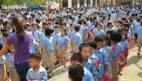 Hàng trăm học sinh đi học trở lại sau khi bị ngộ độc thực phẩm