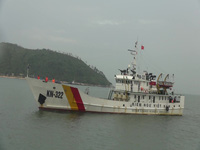 Lai, dắt tàu cá gặp nạn cùng 19 thuyền viên vào bờ an tòan