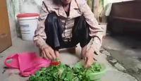 Bà cụ mù 71 tuổi lo chết không có chỗ làm đám tang