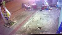 Xe khách lao lên lề đường, tông chết 2 người trong đêm 15/12.