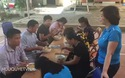 bát mì tôm ăn vội sau lễ khai giảng ở tà hộc