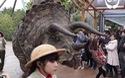 Ngỡ ngàng với màn trình diễn khủng long như thật tại Nhật Bản