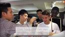 Dàn cầu thủ Hà Nội FC ăn vận bảnh bao đổ bộ cửa hàng mới của bạn gái Duy Mạnh và bà xã Văn Quyết