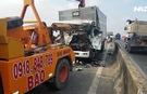 Tai nạn nghiêm trọng trên cầu Chợ Đệm, 2 tài xế tử vong, phụ xe bị thương
