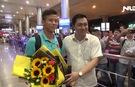 Người hâm mộ nồng nhiệt chào đón tuyển Việt Nam về nước