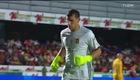 Video: Đội bóng Mexico đứng im mặc đối thủ ghi bàn.