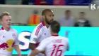 """Pha làm bàn """"siêu dị"""" của Thierry Henry"""