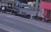 Lamborghini rúc gầm bán tải, tài xế bỏ chạy trên S-Class đen