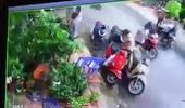 Người đàn ông ăn mặc lịch sự đi xe SH ngang nhiên trộm túi xách, bị bắt quả tang còn ra điều lớn tiếng thách thức