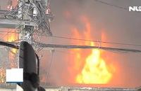 Đang cháy dữ dội tại công ty nhựa, hàng trăm cảnh sát tiếp tục chữa cháy