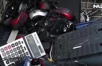 Ghi nhanh: Bạn trẻ thích thú đổi rác điện tử lấy cây xanh