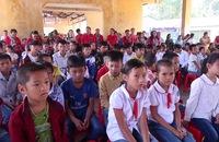 Đoàn cán bộ TP HCM thăm, tặng quà cho học sinh nghèo tỉnh Cao Bằng
