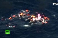 Clip: Kinh hoàng thuyền chở người di cư bốc cháy giữa Địa Trung Hải