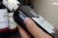 Ghi nhanh: Cấm bán rượu cho người dưới 18 tuổi, làm sao để khả thi?