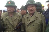 Phó Thủ tướng Trịnh Đình Dũng thị sát và chỉ đạo ứng phó bão số 12