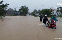 Bình Định chìm trong lũ, hàng ngàn hộ dân bị cô lập