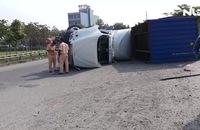 Cầu vượt trạm 2 liên tiếp xảy ra tai nạn chỉ trong sáng 12-3
