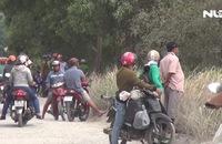 Hàng trăm người bao vây, truy bắt nhóm đối tượng cướp xe