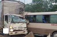Xe khách tông trực diện xe tải trên QL 20, hơn 10 người nhập viện