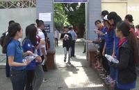 Ghi nhanh: Hàng ngàn sinh viên tình nguyện tiếp sức mùa thi