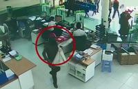 Clip: Táo tợn vụ cướp ngân hàng ở Khánh Hòa