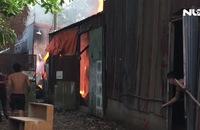 Cháy lớn ở Bình Tân, hàng trăm chiến sĩ dập lửa