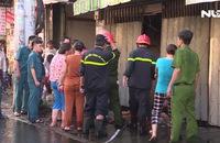 Hai căn nhà bốc cháy dữ dội trên đường Tôn Đản