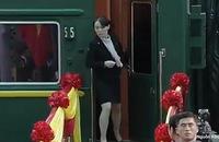 Em gái ông Kim Jong-un cẩn thận thị sát ga Đồng Đăng