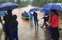 Mưa lớn, nhiều nơi ở Quảng Trị ngập sâu, chia cắt