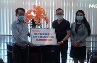 Công ty TNHH sản xuất Duy Lợi trao tặng 50 triệu đồng hỗ trợ 3 anh em mất cha mẹ