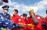 Trao tặng 2.000 lá cờ Tổ quốc cho ngư dân Nghệ An
