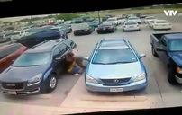 Tranh chỗ đỗ xe, nam tài xế đánh nhau với phụ nữ