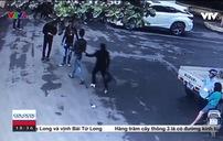 Ngang nhiên cướp hồ sơ đấu giá đất tại Trụ sở UBND huyện
