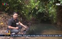 Dầu thải bị đổ trộm xuống đầu nguồn nước sạch Sông Đà